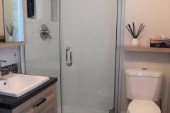 Salle-de-bain-prelart-douche-ceramique-Mosaique